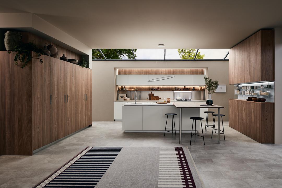 Modello Lounge — Versione: Laccato opaco Bianco Puro e Noce Nodoso — Composizione: Isola